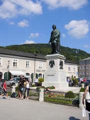 mozart_statue.JPG