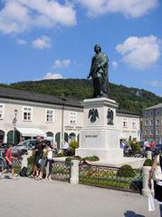 mozart_statue.JPGのサムネール画像